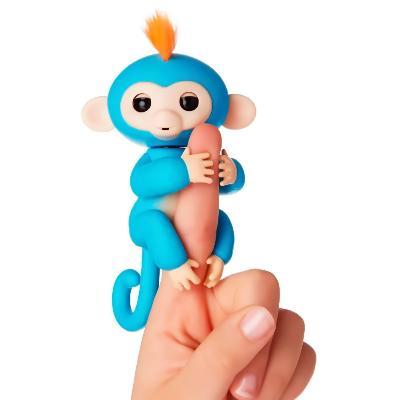 интерактивная обезьянка зои fingerlings baby monkey.