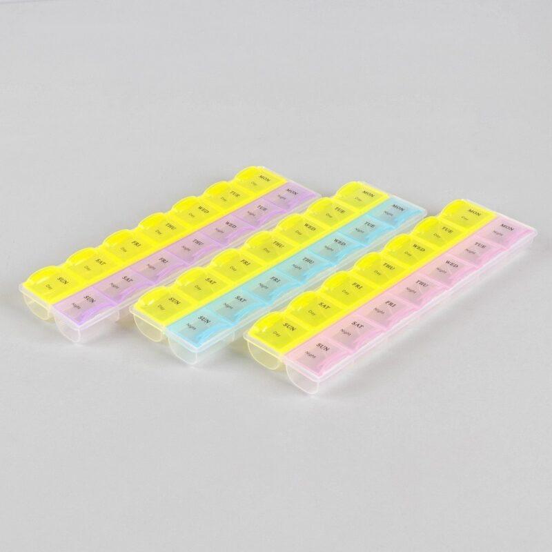 таблетница органайзер неделька английские буквы.