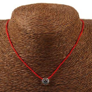 браслет красная нить с подвеской на запястье: значение.