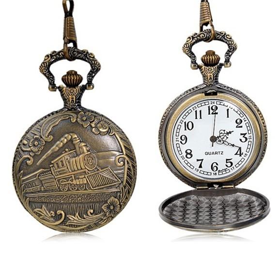 антикварные часы карманные с тремя крышками.
